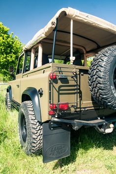 Tophat Defender 90 V8 soft top