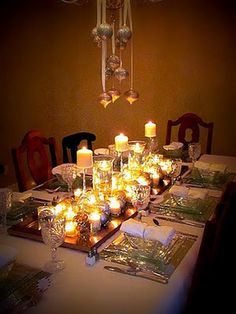I love clear glass table settings and the candles with mirrors just finishes it off! Holiday Fashion, Holiday Style, Holiday Ideas, Winter Christmas, Winter Holidays, Candle Lanterns, Candles, Festival Decorations, Table Decorations