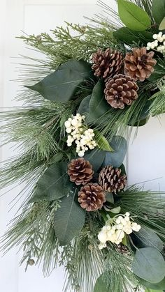 Country Christmas Decorations, Christmas Greenery, Christmas Wreaths To Make, Christmas Swags, Christmas Crafts, Christmas Ornaments, Holiday Decor, Easter Wreaths, Natural Christmas Tree