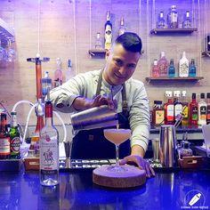 Espectacular sin duda el cóctel del genial James Mark Misajel… y lo sabe .    #CopasConEstilo #Bartender #Cocktail #Coctelería #Cóctel #Cócteles #Madrid #CóctelesEnMadrid Madrid