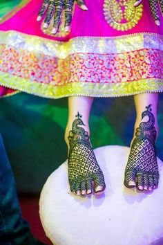 Budget Mehendi function It is possible and this post will tell you just how. Bridal mehendi, props, Photo Booth, brides outfit, favours all inclusive.