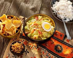 Indonesische Groente Curry met Chinese kool, ei en seroendeng recept Asian Recipes, Ethnic Recipes, No Cook Meals, Guacamole, Love Food, Vegetarian Recipes, Pasta, Vegan, Cooking