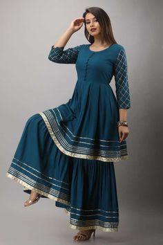 Party Wear Indian Dresses, Pakistani Dresses Casual, Dress Indian Style, Pakistani Dress Design, Indian Dresses For Women, Indian Gowns, Indian Wear, Fancy Dress Design, Stylish Dress Designs