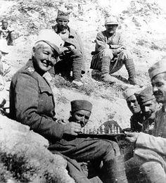 Flora Sandes, la primera mujer soldado de la Gran Guerra http://www.mujeresenlahistoria.com/2014/10/la-mujer-soldado-flora-sandes-1876-1956.html