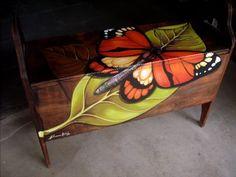 Pintura em móveis de madeira