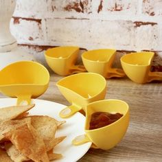 Disha Yellow Clip-A-Sauce Set - Brilliant!