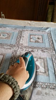 Basting big quilts in small spaces. Great information! | quilts ...