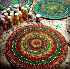 Image result for tecnicas de puntillismo en mandalas Mandala Art, Mandala Doodle, Mandala Canvas, Mandala Painting, Mandala Drawing, Flower Mandala, Mandala Pattern, Mandala Design, Dot Art Painting