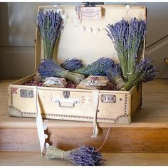 a suitcase full of lavender☺