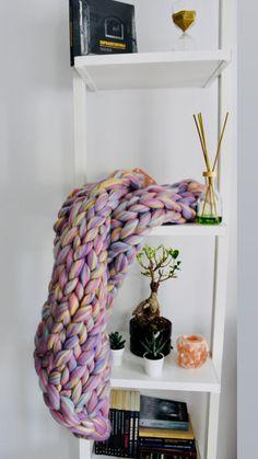 Best Picture For knittings yarn how to crochet Fo Wool Art, Arm Knitting, Luxury Life, Merino Wool Blanket, Sheep, Weaving, Crochet, Knitwear, Handmade
