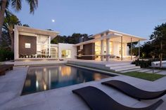 KZ architecture have added an extension to a home in Florida by creating an artists studio.