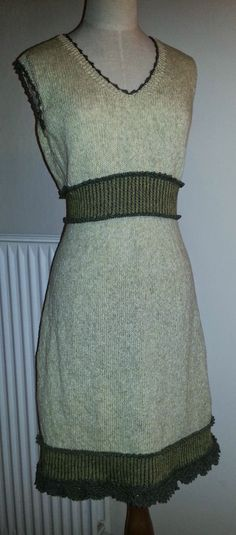 Den kreative nørkler: Kjole fra Drops model nr. 111-3 - Garn: Quite og Karma fra Ice Yarns