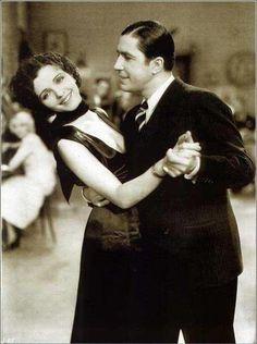 """Carlos Gardel, El Oriental y Mona Maris, película """"Cuesta Abajo""""- 1934"""