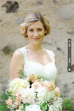 short wedding hair styles | CHECK OUT MORE IDEAS AT WEDDINGPINS.NET | #weddinghair