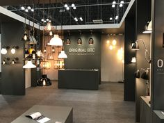 Original BTC at ICFF New York #ICFF2017 #Design #Lighting #NewYork Lighting Showroom, Lighting Store, Big Design, House Design, Showroom Interior Design, Shelf Furniture, Fitness Design, Global Design, Hotel Lobby