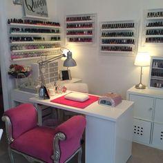 16 Ideas pedicure spa salon manicure station for 2019 Home Beauty Salon, Home Nail Salon, Nail Salon Design, Beauty Salon Decor, Salon Interior Design, Beauty Room, Salon At Home, Nail Desk, Nail Room