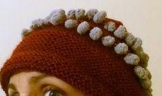 Cappelli di lana - Cappello in lana bordeaux con pon pon - un prodotto unico di LeRiciclose su DaWanda