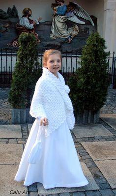 Calu Art: Szal w akcji komunijnej Crocheting, Dresses With Sleeves, Long Sleeve, Fashion, Crochet, Moda, Sleeve Dresses, Long Dress Patterns, Fashion Styles