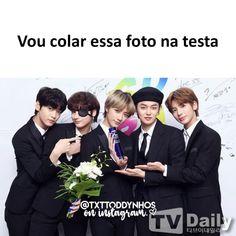 Fandom, Pop Songs, Kpop, Meme Faces, Bts Memes, Boy Groups, Movie Posters, Funny Memes, Truths
