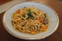 Cozinha Tosca de Marina: Espaguete Integral com Carne e Vegetais