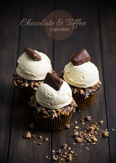 These gorgeous looking Chocolate Toffee Cupcakes by Sugar and Snapshots are dangerously delicious as well. Moist, chocolate cupcakes are topped first with a Toffee Cupcakes, Yummy Cupcakes, Chocolate Cupcakes, Cupcake Cookies, Cupcake Pics, Brownie Desserts, Just Desserts, Yummy Treats, Sweet Treats