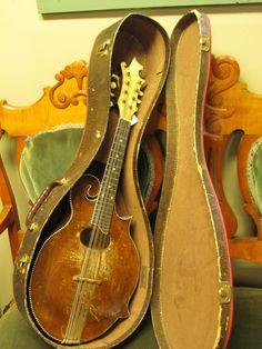 very old mandolin.