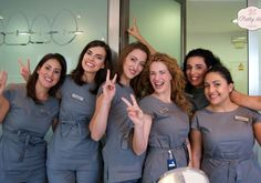 Evento de empresa en Ortodoncia Nakpil-Bueno de Marbella | PrettyDay - www.prettyday.es  Que gran elección, ¡Una Makeup Party en el trabajo!