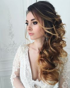 This beautiful bridal hairstyle perfect for any wedding venue - Beautiful wedding hairstyle Get inspired by fabulous wedding hairstyles