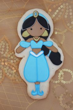 Step by step tutorial on how to decorate a princess Jasmine cookie using a Kopykake projector. Cookies For Kids, Cute Cookies, Yummy Cookies, Cupcake Cookies, Cupcakes, Onesie Cookies, Birthday Cookies, 5th Birthday, Birthday Parties