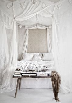 Boho chic bedroom | Bohemian style & design | Free life | Summer #nakedsoul #nakedexpression #bohemianrhapsody