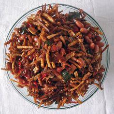 Crispy kering tempe recipe (sweet, sticky tempe) - Wil and Wayan's Bali Kitchen Veggie Recipes, Asian Recipes, Cooking Recipes, Ethnic Recipes, Cooking Tips, Asian Foods, Veggie Food, Malaysian Cuisine, Malaysian Food