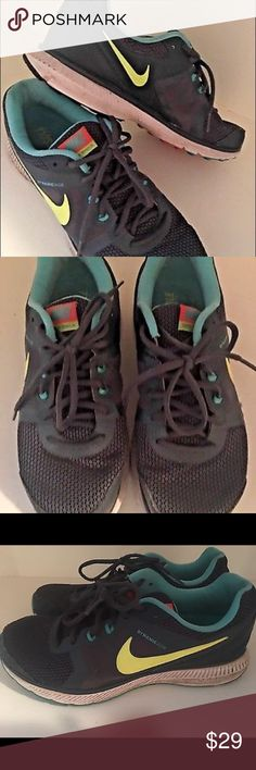NIKE Sneakers ZOOM WINFLO Running Trainers 10.5 Womens NIKE Sneakers ZOOM WINFLO Running Shoes Trainers Size 10.5 Neon Nike Shoes Sneakers