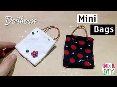 nldiycraft image mini bags s Miraculous, Minis, Miniature Dolls, Miniature Tutorials, Miniature Kitchen, Mini Purse, Mini Bags, Crochet Buttons, Mini Handbags