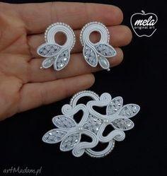 Bead Embroidery Jewelry, Textile Jewelry, Fabric Jewelry, Beaded Embroidery, Diy Jewellery Designs, Gold Earrings Designs, Handmade Beaded Jewelry, Handmade Necklaces, Shibori