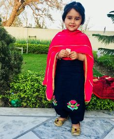 Best Trendy Outfits Part 31 Indian Dresses For Kids, Kids Indian Wear, Dresses Kids Girl, Embroidery Suits Punjabi, Embroidery Suits Design, Cute Small Girl, Trendy Outfits, Girl Outfits, Punjabi Suits Designer Boutique