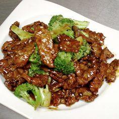 Crock Pot Beef & Broccoli ~ Mmm, Beef & Broccoli -- One of my favs! (Having it fixed in a crock pot -- added bonus!)