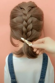 hair videos gray hairstyles over 50 hairstyles elegant hairstyles round chubby faces new hairstyles hairstyles with braids hairstyles with saree hairstyles tutorial Medium Hair Styles, Curly Hair Styles, Hair Medium, Easy Hairstyles For Long Hair, Hairstyle Ideas, Hairstyle Short, Natural Hairstyles, Back To School Hairstyles Easy, Simple Braided Hairstyles