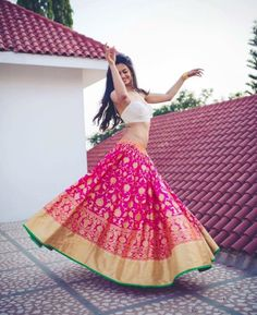 Latest Collection of Lehenga Choli Designs in the gallery. Lehenga Designs from India's Top Online Shopping Sites. Banarasi Lehenga, Pink Lehenga, Bridal Lehenga, Anarkali, Bollywood Lehenga, Wedding Sarees, Bollywood Style, Silk Sarees, Lehenga Designs