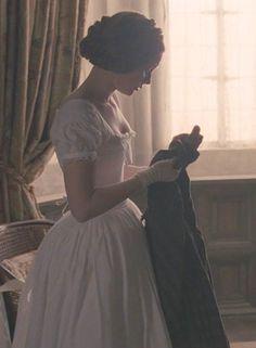 "mademoisellelapiquante: "" Mia Wasikowska as Jane Eyre - 2011 "" Charlotte Brontë, Jane Eyre 2011, Becoming Jane, Mia Wasikowska, Princess Aesthetic, Brave Girl, Wedding Tattoos, Wedding Humor, Jane Austen"