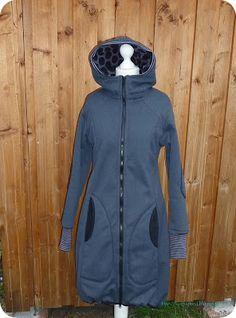 KÖNIGkind: *Ein Mantel*