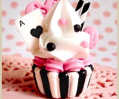 Ace of hearts cupcake