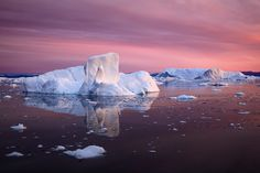 Tales of Arctic Nights - Greenland summer photography workshop - sailing in Disko Bay, Ilulissat glacier, Whale watching, icebergs, midnight sun