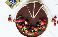 When you need a decadent yet easy dessert this Easy Chocolate Ganache Tart will become your ultimate go-to recipe. Made with dark chocolate, Stork Bake and topped with fresh berries Easy Chocolate Ganache, Blueberry Chocolate, Decadent Chocolate, Delicious Chocolate, Chocolate Desserts, Cake Roll Recipes, Tart Recipes, Dessert Recipes, Ganache Cake
