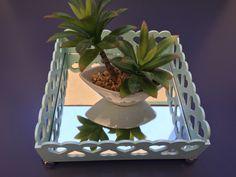 Bandeja espelhada azul artesanato trabalho manual plantas flores decoração colorido espelho  Mais informações no Instagram: @coisi_nhas