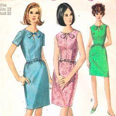 Vintage Simplicity Sewing Pattern Bust 32 Keyhole Neck Dress Slim Skirt Chic 60s