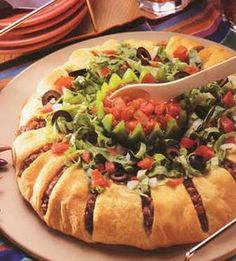 Taco Ring - The Pampered Chef® www.biz/carolallen to find / order all your Pampered Chef needs Pampered Chef Taco Ring, Pampered Chef Recipes, Pampered Chef Pizza Stone, Mexican Food Recipes, Beef Recipes, Cooking Recipes, Mexican Dishes, Mexican Pie, Cooking Pork