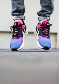 "Nike Air Max Tavas SD ""Rainbow"""