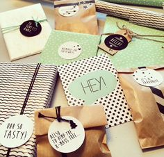 Mooie pakjes voor instaswap2014falledition Little Presents, Little Gifts, Craft Gifts, Diy Gifts, Gift Wrapping Tutorial, Paper Packaging, Paper Gifts, Woodworking Crafts, Personalized Gifts