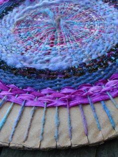 circular weaving. weaving diy crafts tutorial fiber_arts yarn wool stash scraps