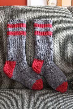 Old Fashioned Work Socks pattern by Cheryl Ann Wartman Free Basic Knit Sock Pattern Knitted Socks Free Pattern, Crochet Socks, Knitted Slippers, Knit Or Crochet, Knit Socks, Loom Knitting, Knitting Socks, Hand Knitting, Knitting Patterns